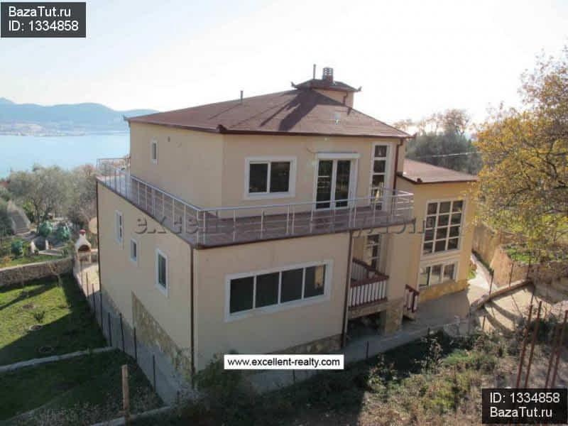 House on the coast of Bari